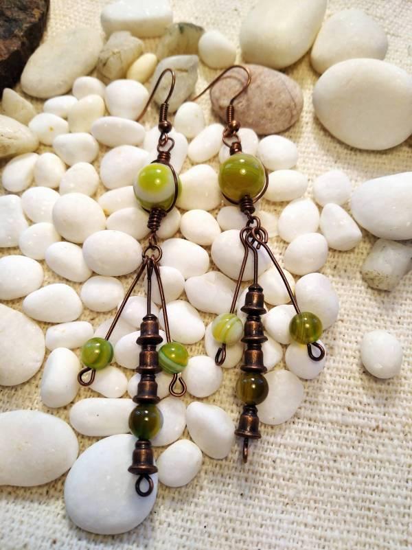 Csingi lingi zöld jáde kővekkel.